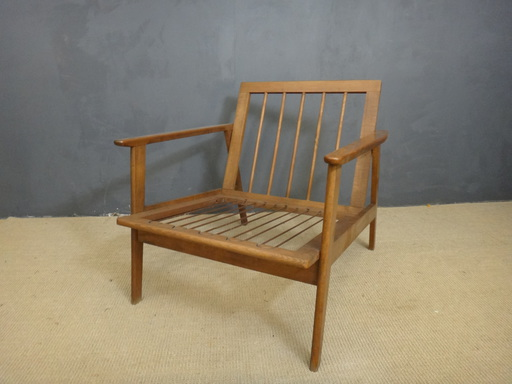 Classic Mid Century Lounge Chair