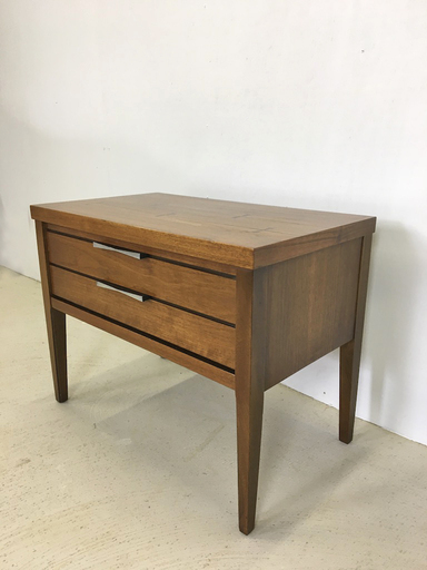 Lane Bedside or Accent Table with quotBowtiequot Pulls