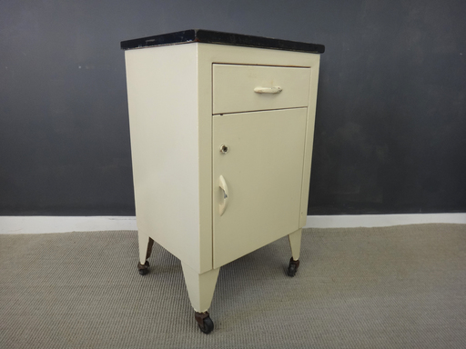 Vintage Metal Hospital Cabinet - Vintage Metal Hospital Cabinet - Retrocraft Design - Collection