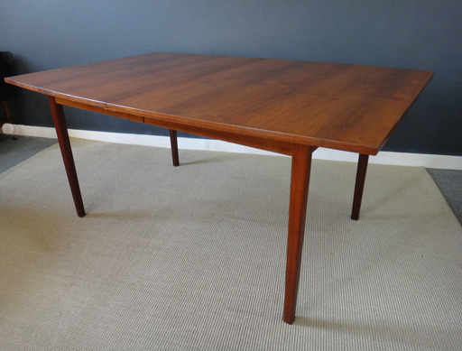 Large Broyhill mid century Sculptra dining table