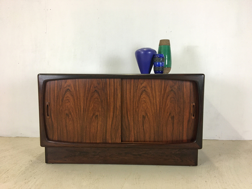 Danish Modern Rosewood Credenza Buffet Server Cabinet
