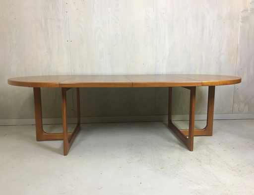 anish Modern RoundTeak Table with Leaves