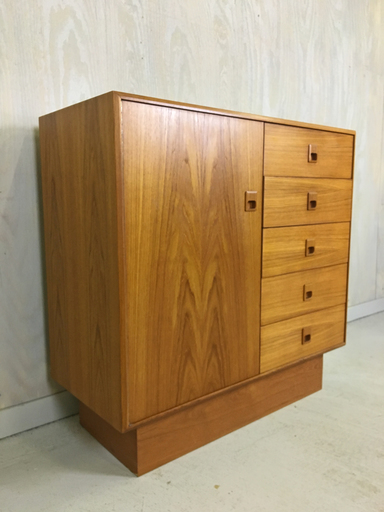 Danish ModernTeak Gentleman039s Chest Boston