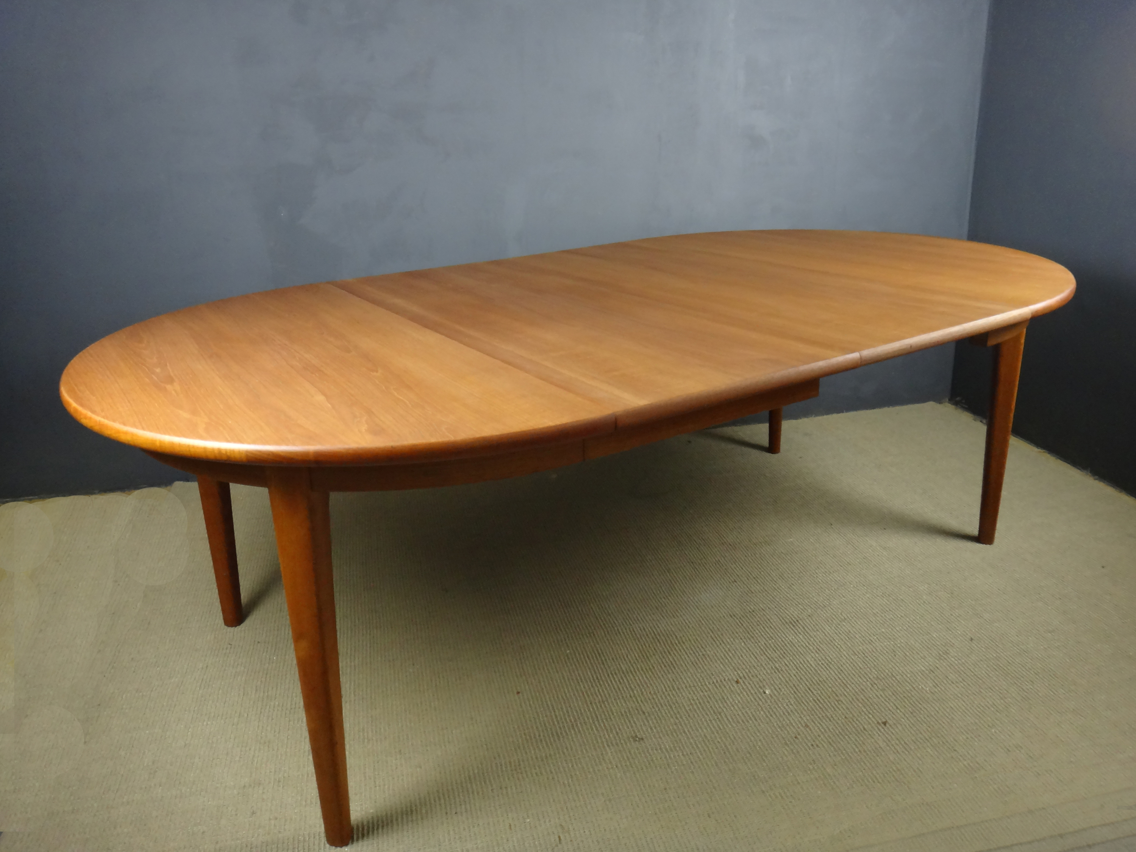 Sorb Stole Danish Teak Expandable Dining Table