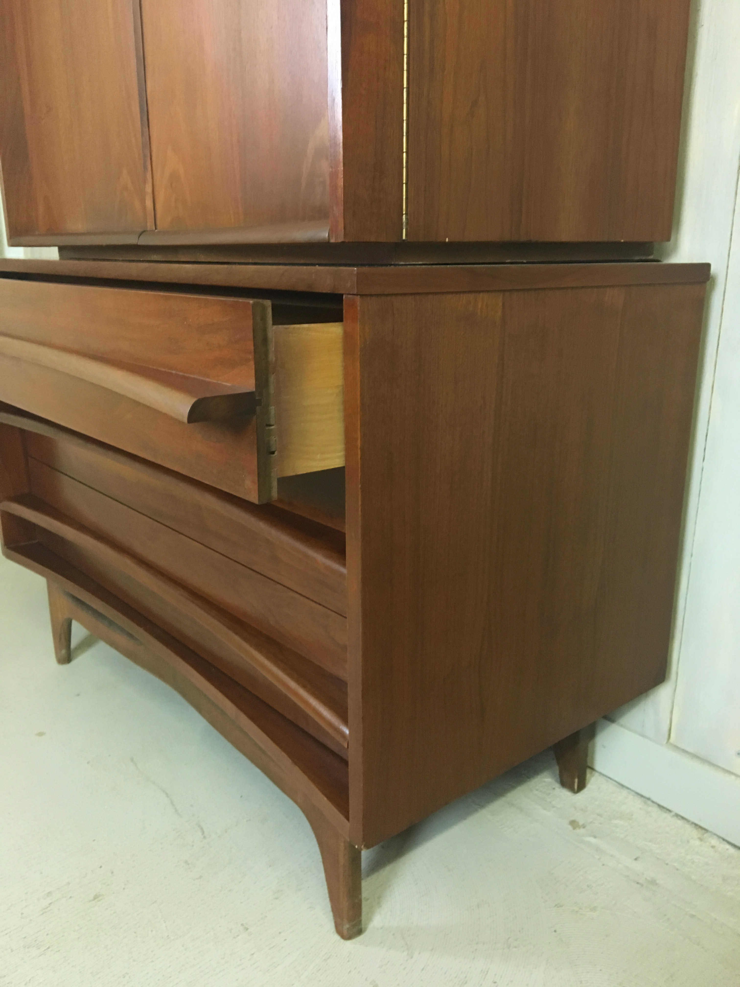 Young Manufacturing Highboy Bureau