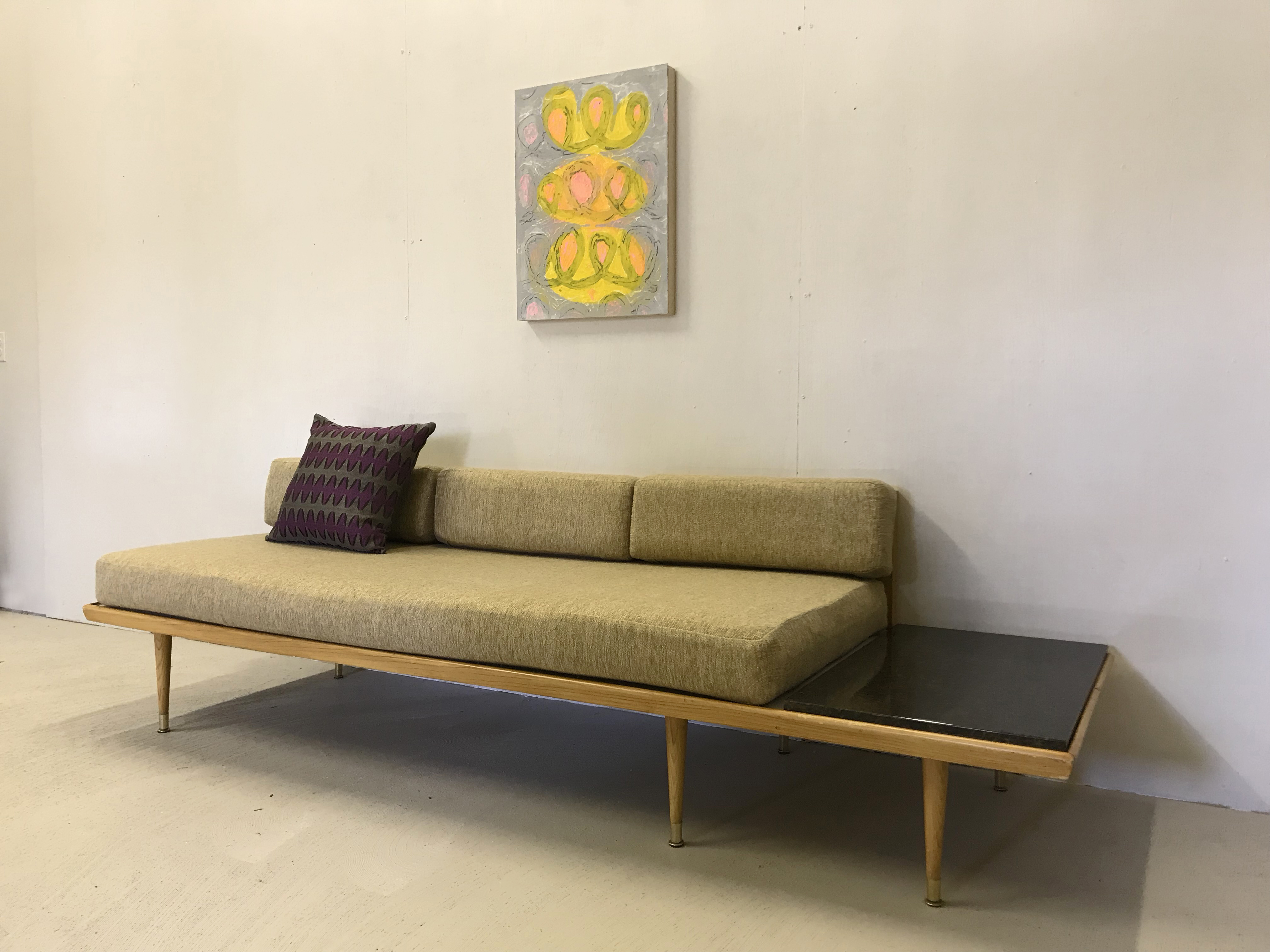 Fabulous Platform Couch With Built In Side Table Retrocraft Design Caraccident5 Cool Chair Designs And Ideas Caraccident5Info