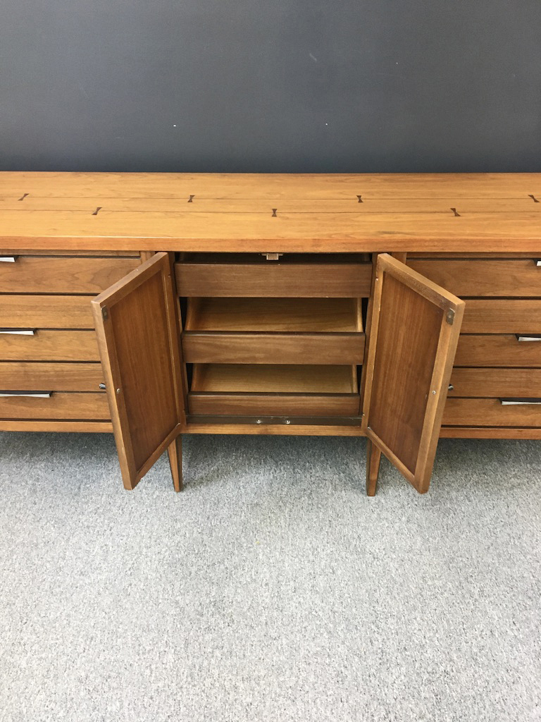 Lane Furniture Tuxedo Credenza with Inlay
