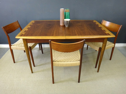 Mid Century Lane Acclaim Dining Table
