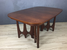 Broyhill Brasilia Walnut Dining Table
