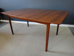 Large Broyhill Sculptra Walnut Dining Table