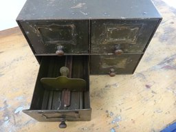 additional images for Vintage 4-Drawer Metal FIle Box
