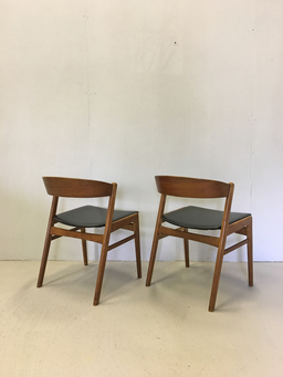 additional images for Pair of Danish Modern Teak Ribbon Back Chairs for Dux